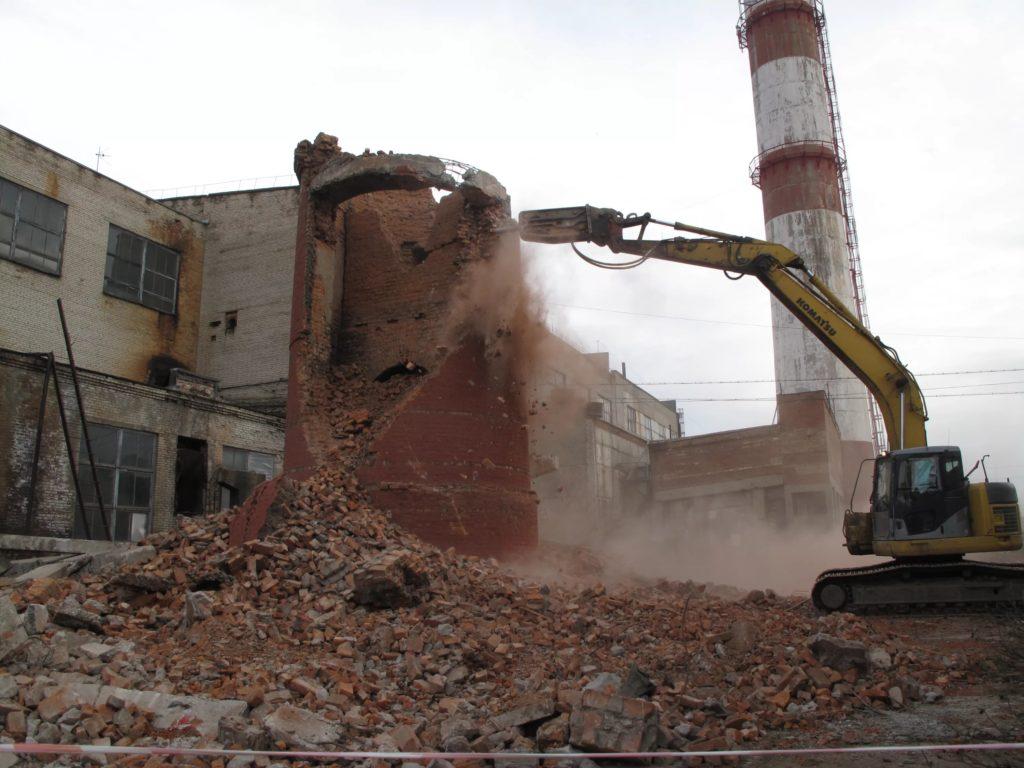 Демонтаж труб из кирпича и бетона